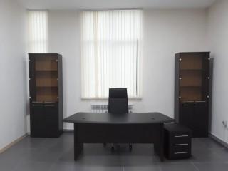 Кабинет руководителя в одном из офисов